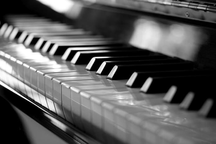 Piano Glimmering